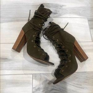 Heels size 7 1/2